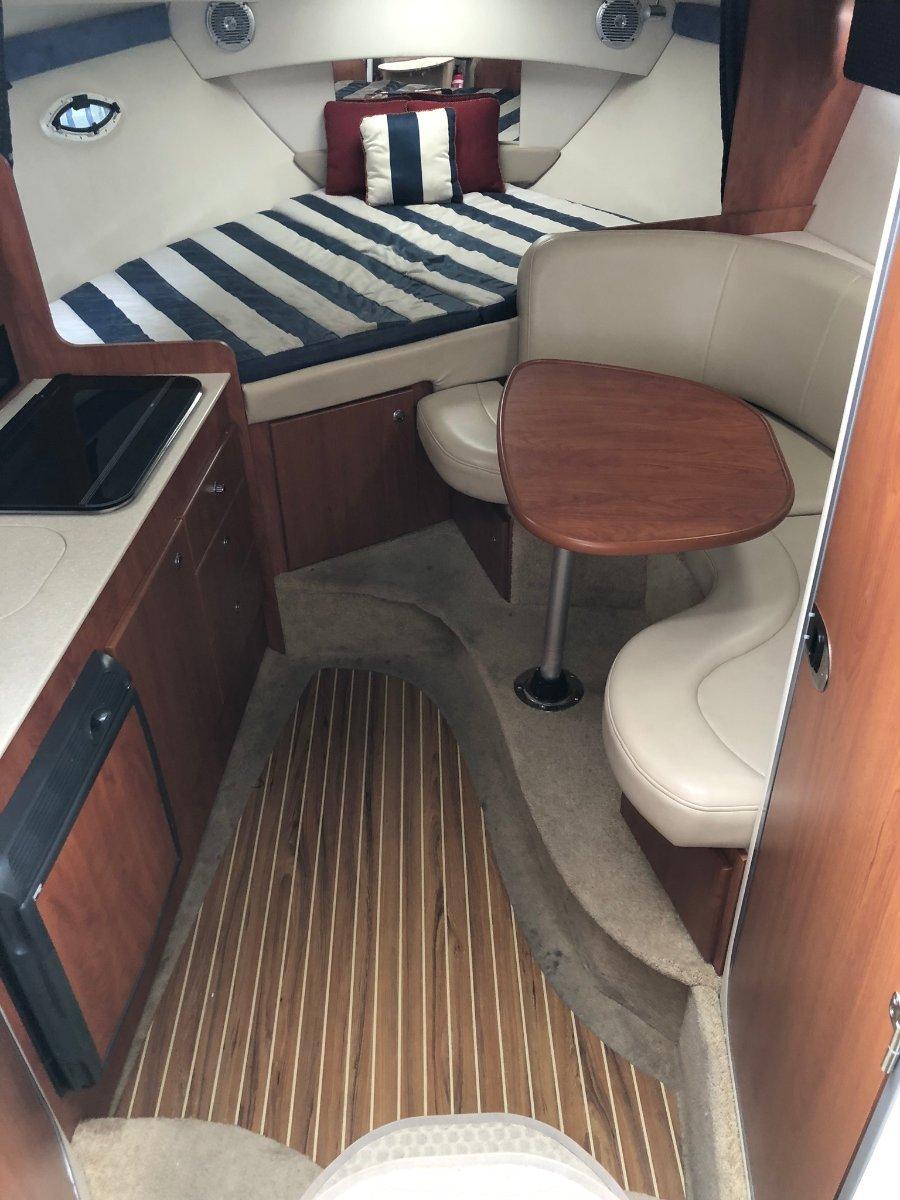 Bayliner 300 Cruiser Huge open plan design