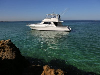 Thomascraft 4500 Flybridge No compromises on this self sufficient cruiser