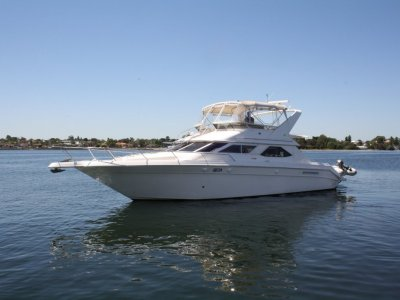 Sea Ray 440 Express Flybridge