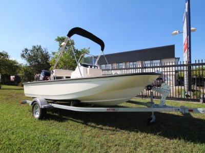 Boston Whaler 150 Montauk Centre Console