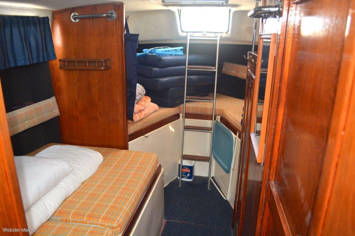 Clipper Sundecker Flybridge Cruiser