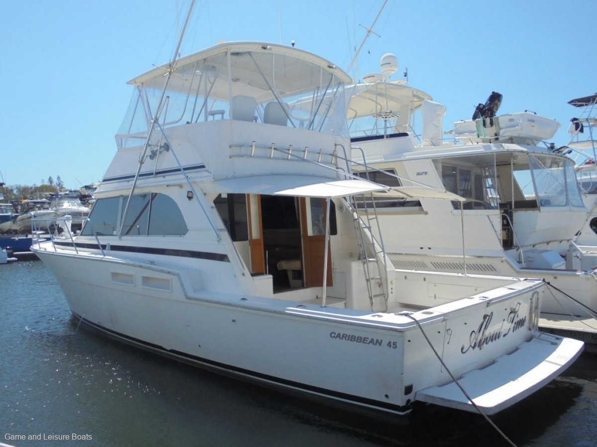 Caribbean 45 Flybridge Cruiser - 2000 MY