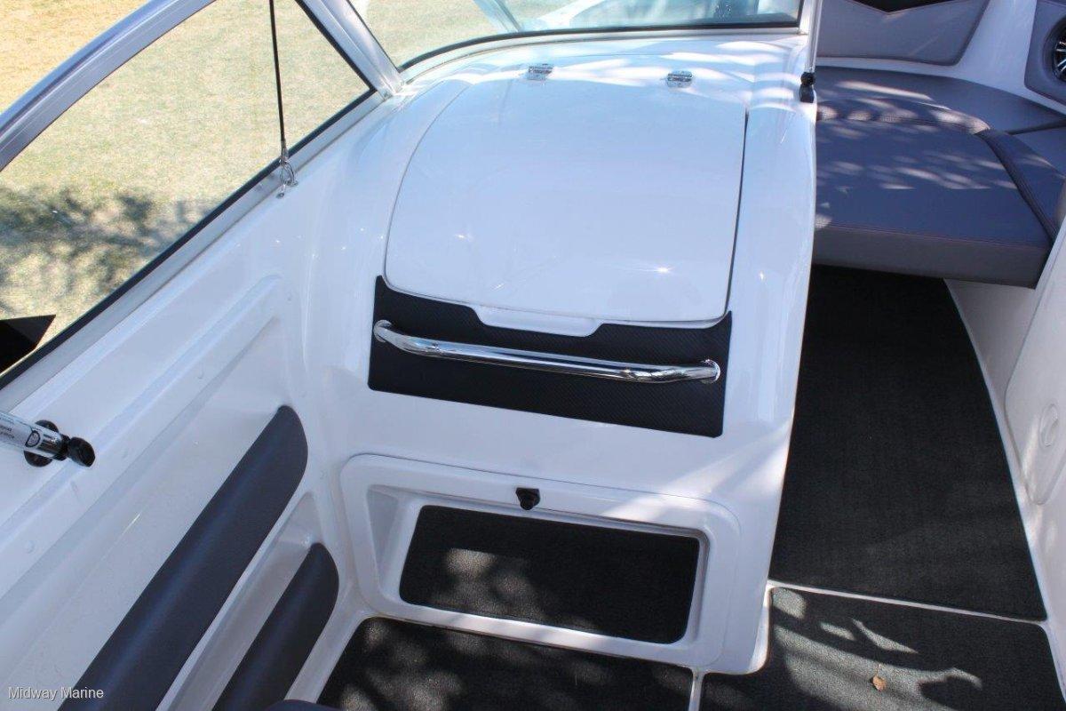 Revival 590 X-Rider Bowrider