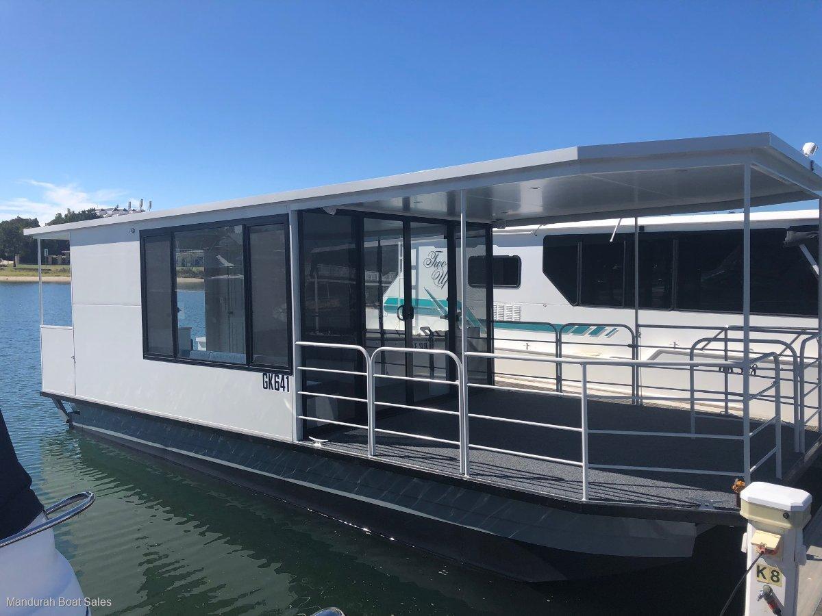 Custom Dayboat
