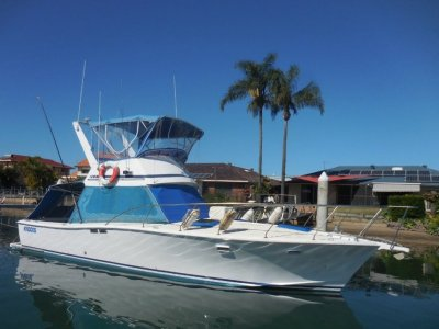 Aquarius 39 Flybridge