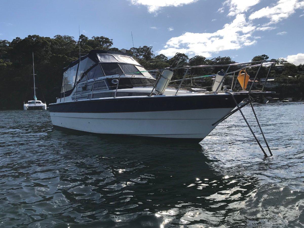 Fjord 30 Weekender 30 Foot Cruiser Weekender 496 Mercruiser