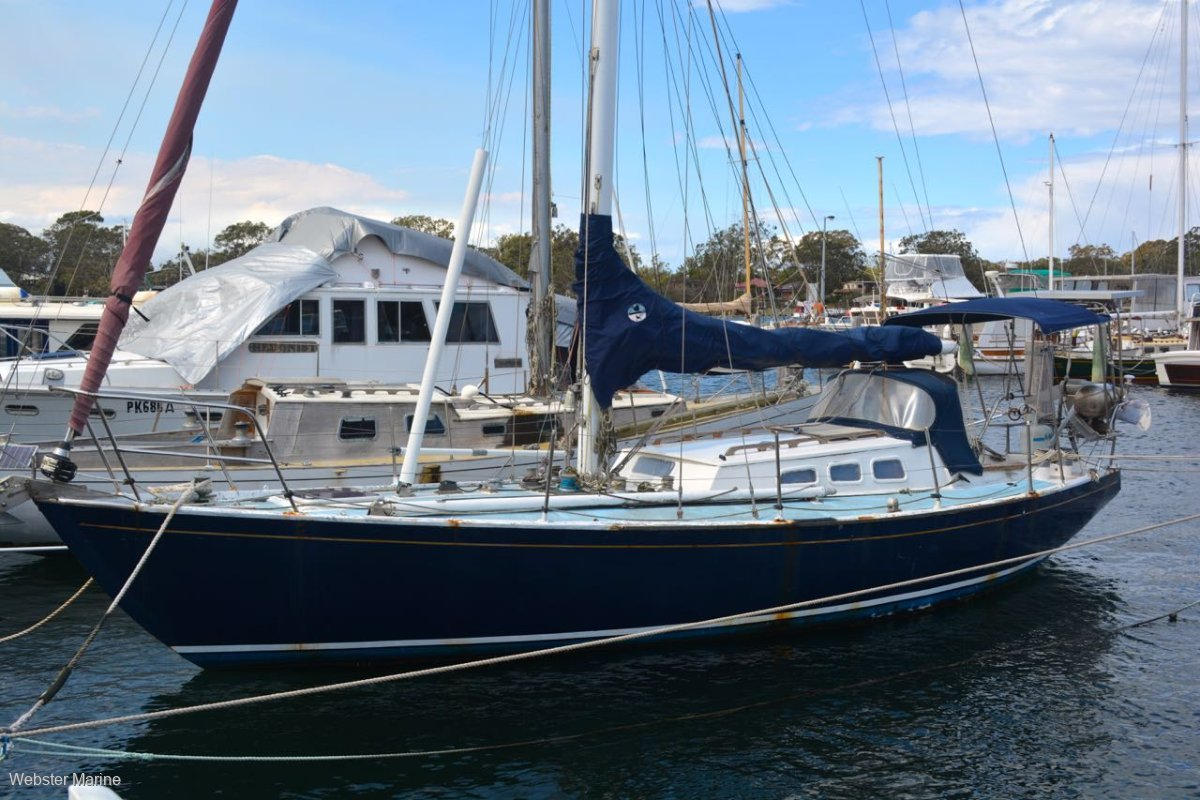 Custom Steel Yacht 33