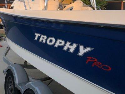 Trophy 2052 Walkaround - Trophy PRO Hard Top