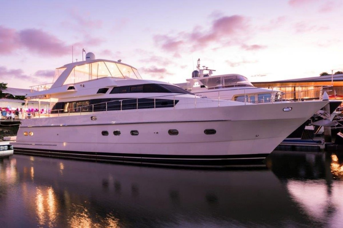 Monte Fino 70 Flybridge Motor Yacht:Monte Fino 70