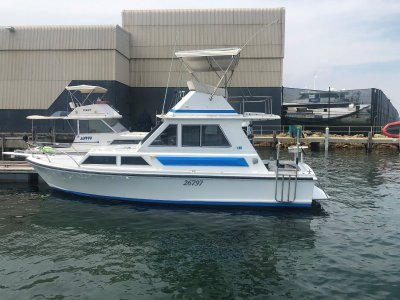 Thomascraft 28 Flybridge Cruiser Great Condition with all the mod cons.
