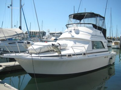 Bertram Caribbean 31 Flybridge Cruiser Looking for offers