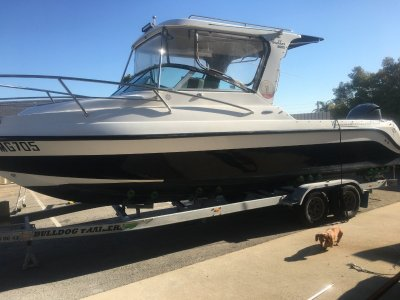 Commodore Abrolhos 8000 Big volume out and back boat!!