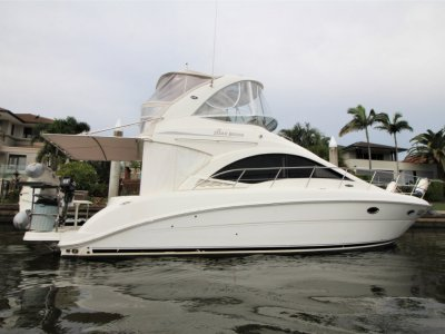 Sea Ray 36 Sedan Bridge Flybridge Cruiser