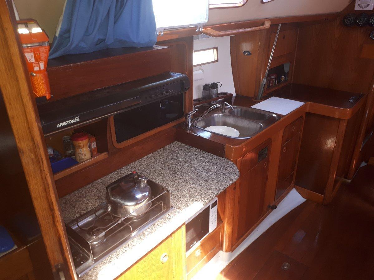 Beneteau Oceanis 390 (LARGE REDUCTION)