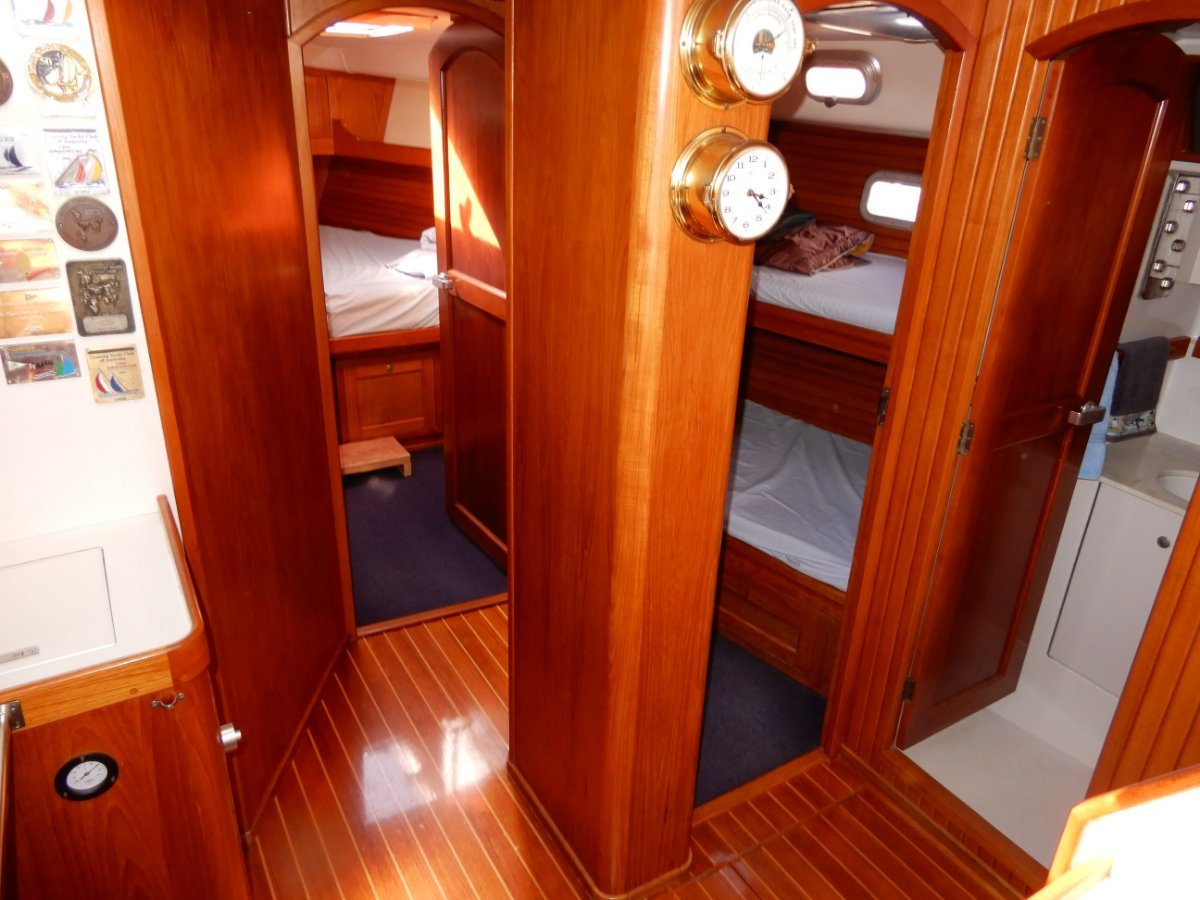 Buizen 48 Pilothouse EXCELLENT CONDITION TWO OWNERS ONLY!