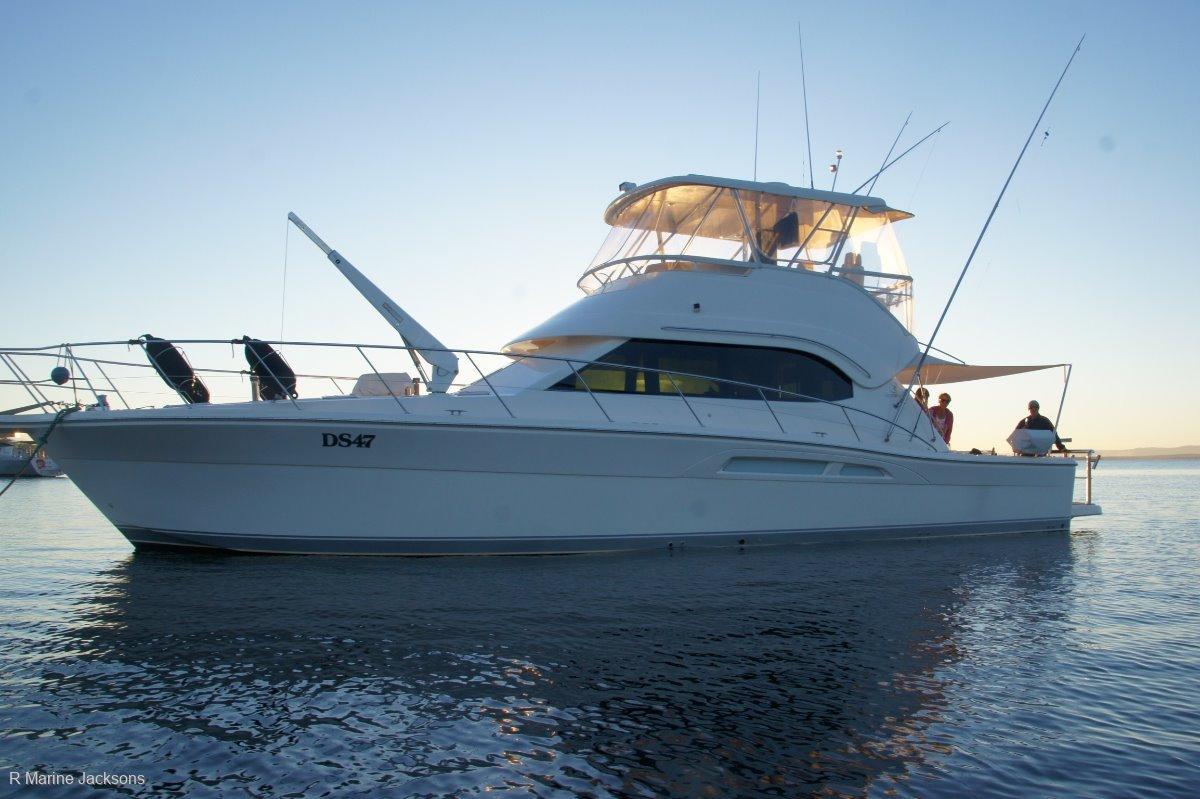 Riviera 47 Flybridge Cruiser:Riviera 47 for sale - R Marine Jacksons