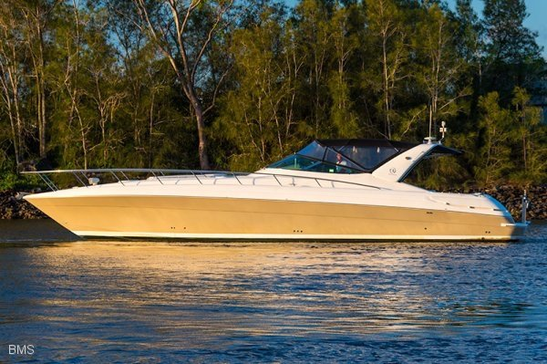 Riviera M430 Sports Cruiser: Power Boats | Boats Online for
