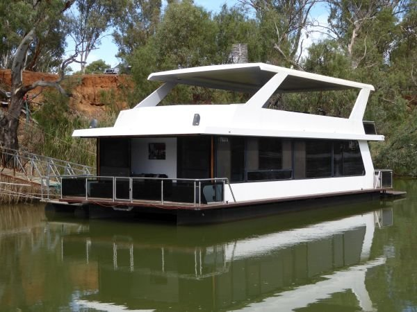Houseboat Holiday Home on the Murray River @Echuca:TILLIN on the Murray River