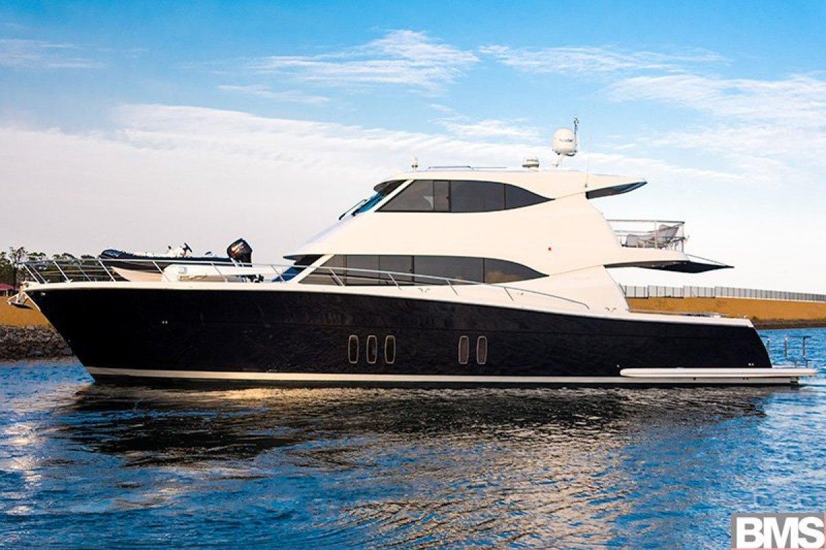 Maritimo M70 Cruising Motoryacht 2015