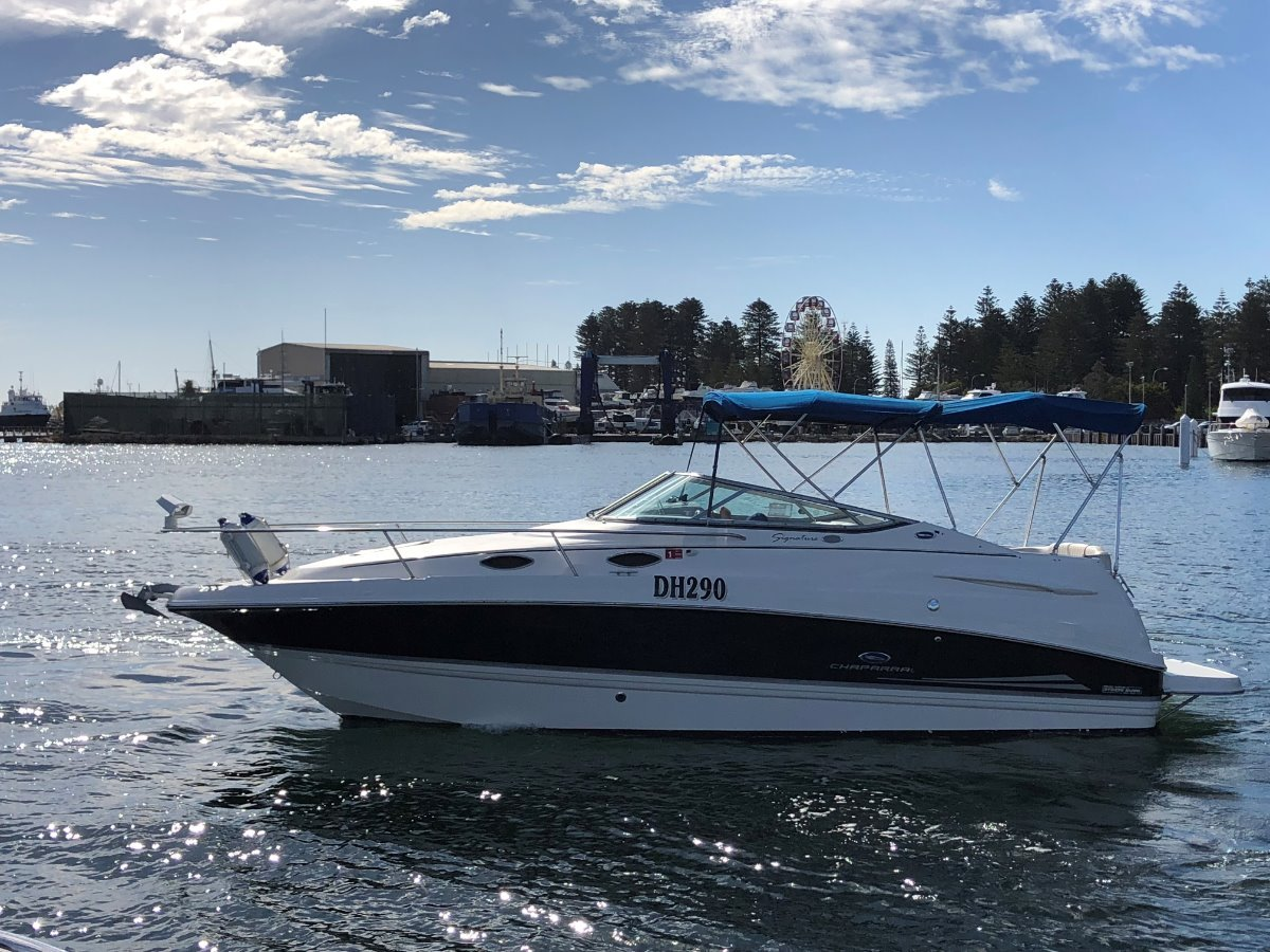 Chaparral 240 Signature ******With Bow Thruster****** The Perfect Cruiser