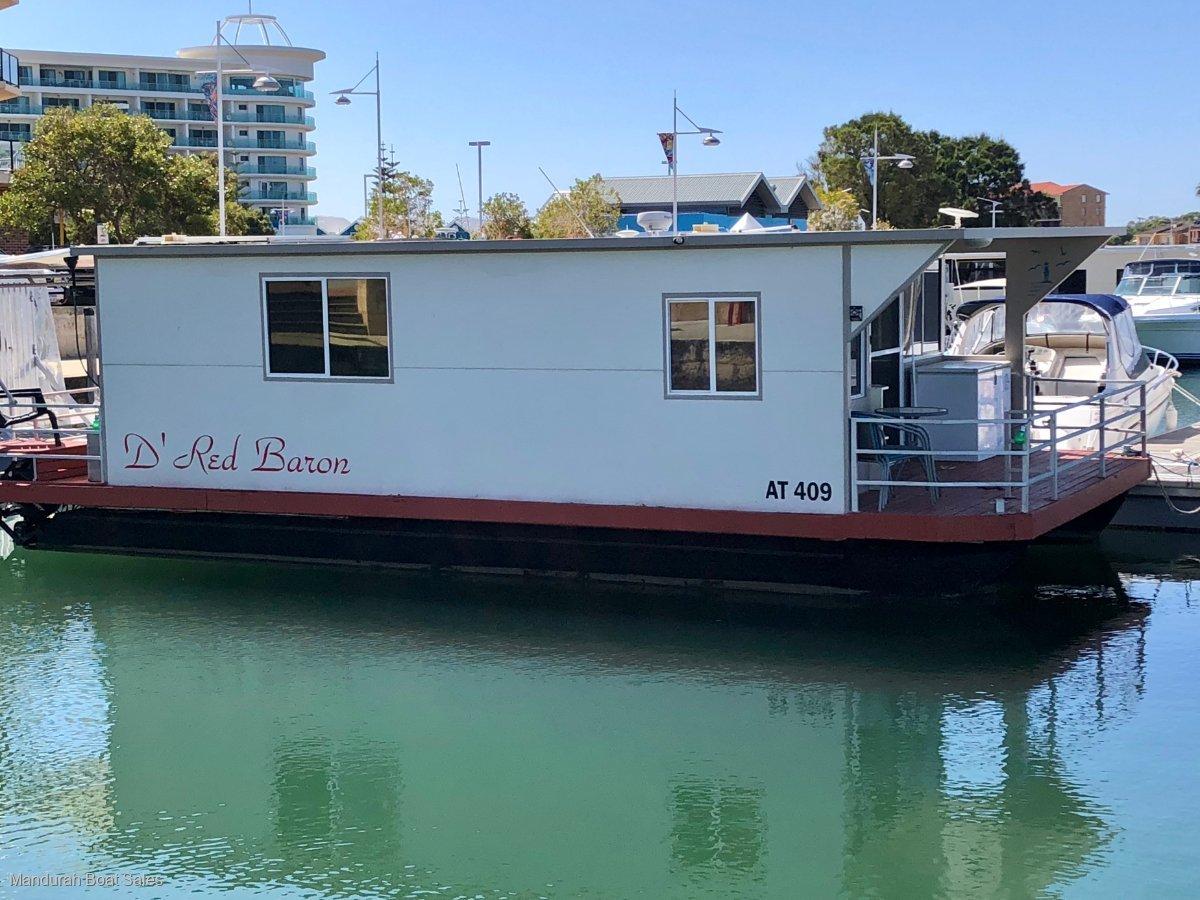 Houseboat De Red Baron