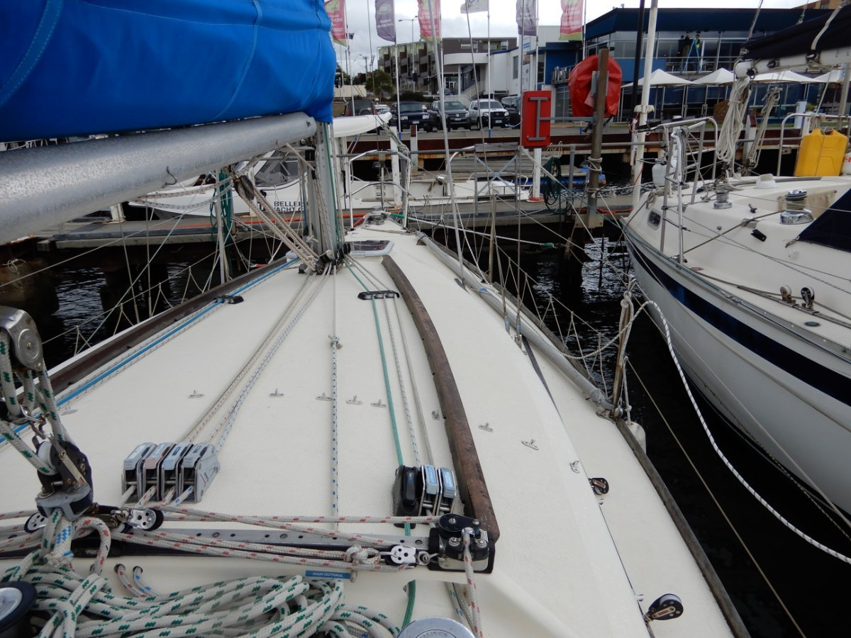 Knoop 27 Cruiser Club Racer GREAT FITOUT and CONDITION