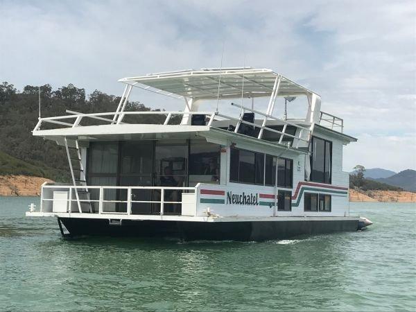 Houseboat Holiday Home on Lake Eildon, Vic.:Neuchatel on Lake Eildon
