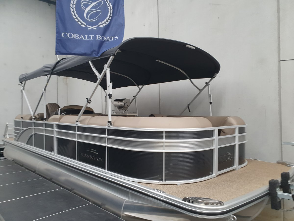 Bennington Pontoon Boat 25GSRB