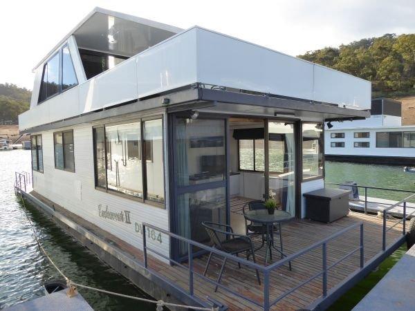 Houseboat Holiday Home on Lake Eildon, Vic.:Endeavour11 on Lake Eildon