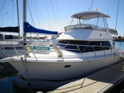 Fury 32 Flybridge Cruiser GREAT VALUE AND PRICED TO SELL!
