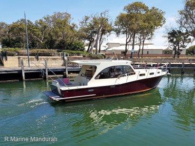 Raymond Hunt Design 35 Cruiser * A MODERN TOUCH TO A CLASSICAL DESIGN * $47,990 *