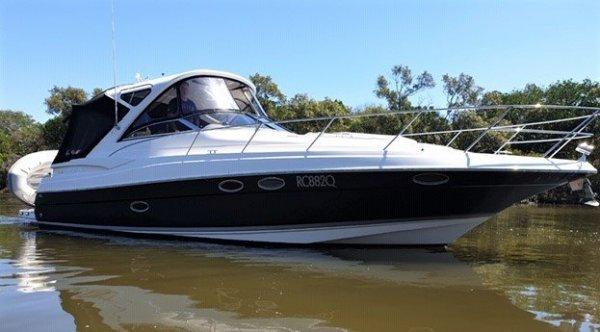 Regal 3760 Hardtop Sports Cruiser