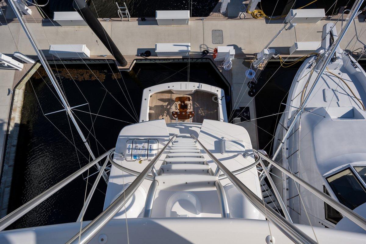 Viking 58 Enclosed Flybridge