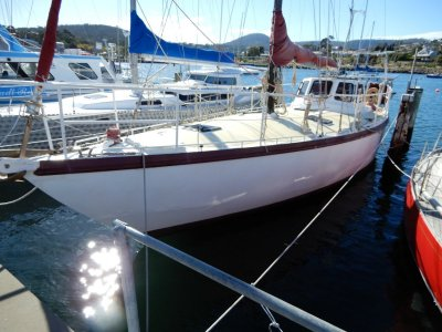 Roberts Norfolk 43 HUGE VOLUME, PROFESSIONALLY BUILT IDEAL LIVEABOARD