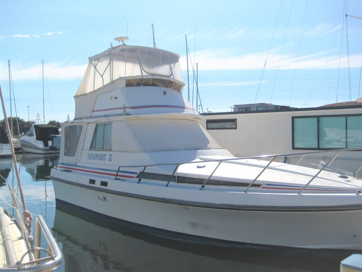 Thomascraft 32 Flybridge Cruiser ****Excellent entry level Flybridge priced well****