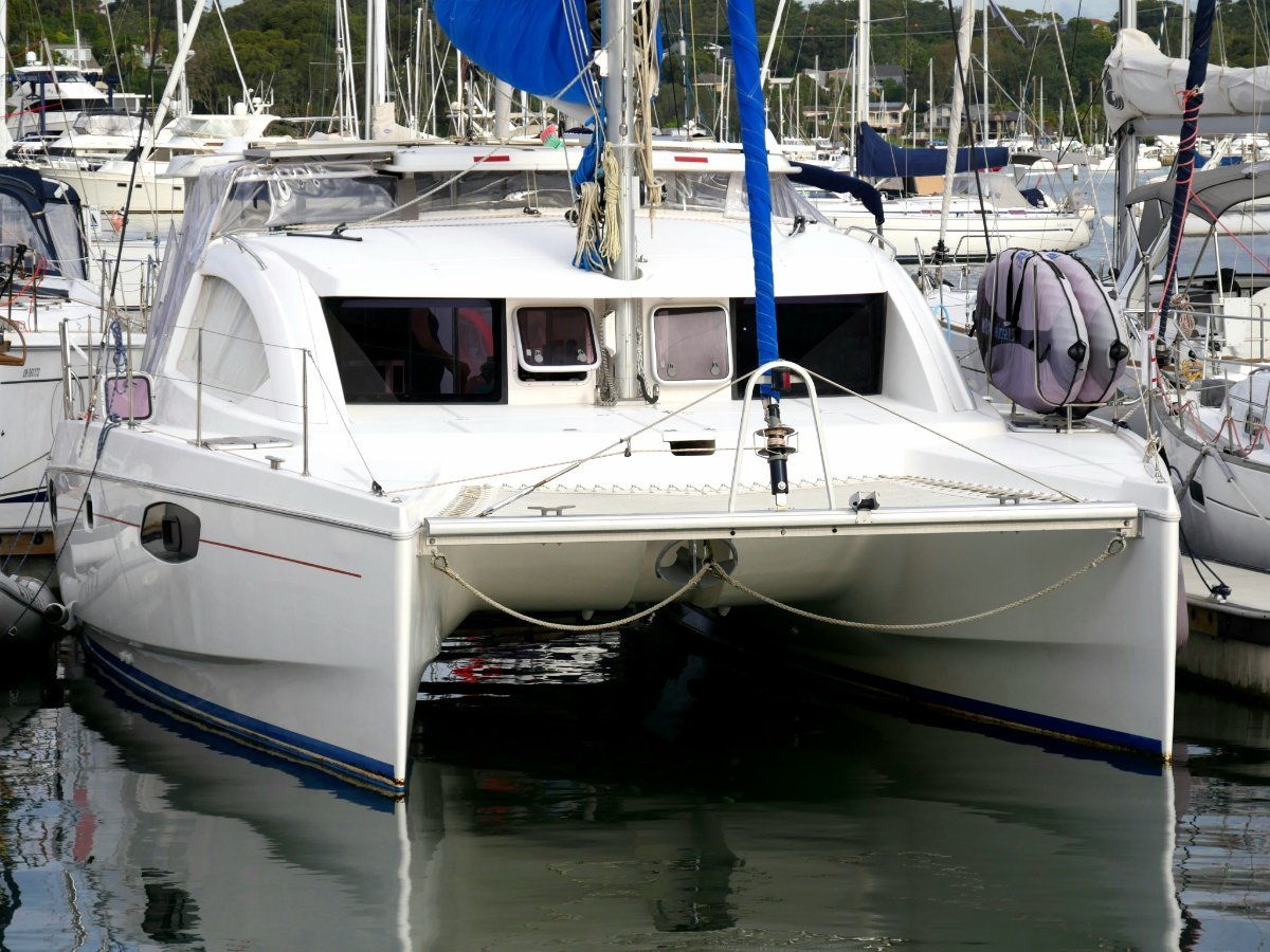 Leopard Catamarans 384