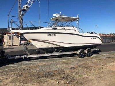 Boston Whaler 255 Conquest WITH TWIN HONDA 4 STROKES RARE COMBO