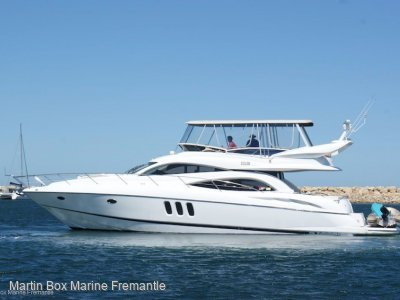 Sunseeker Manhattan 56 with Twin Caterpillar's
