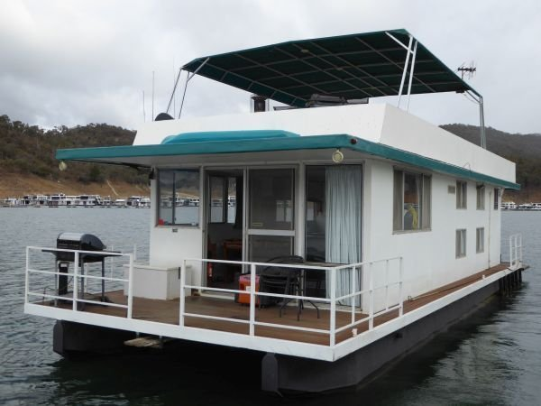 Houseboat Holiday Home on Lake Eildon, Vic.:Daves Familys Boat