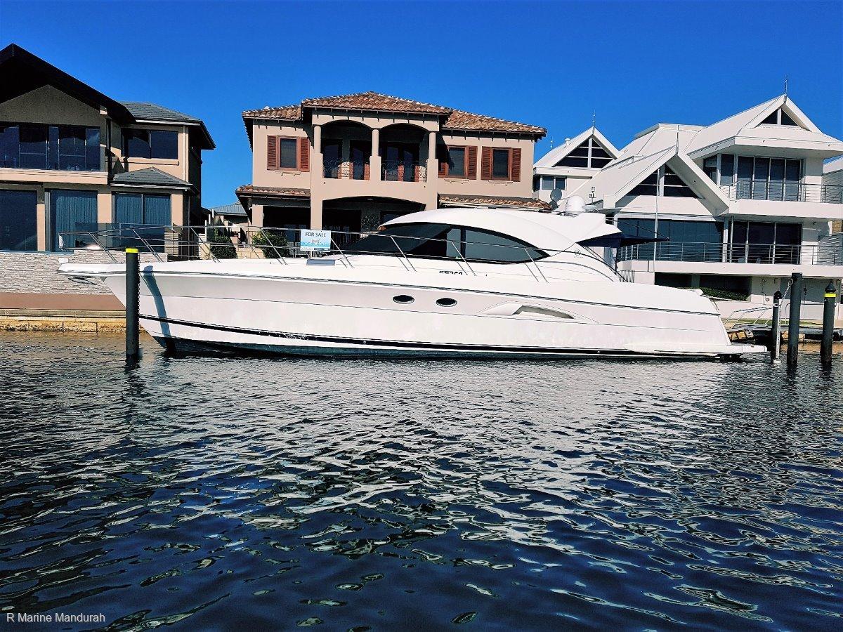 Riviera 5000 Sport Yacht *** EYE CATCHING PRICE ! *** UNDER OFFER ***