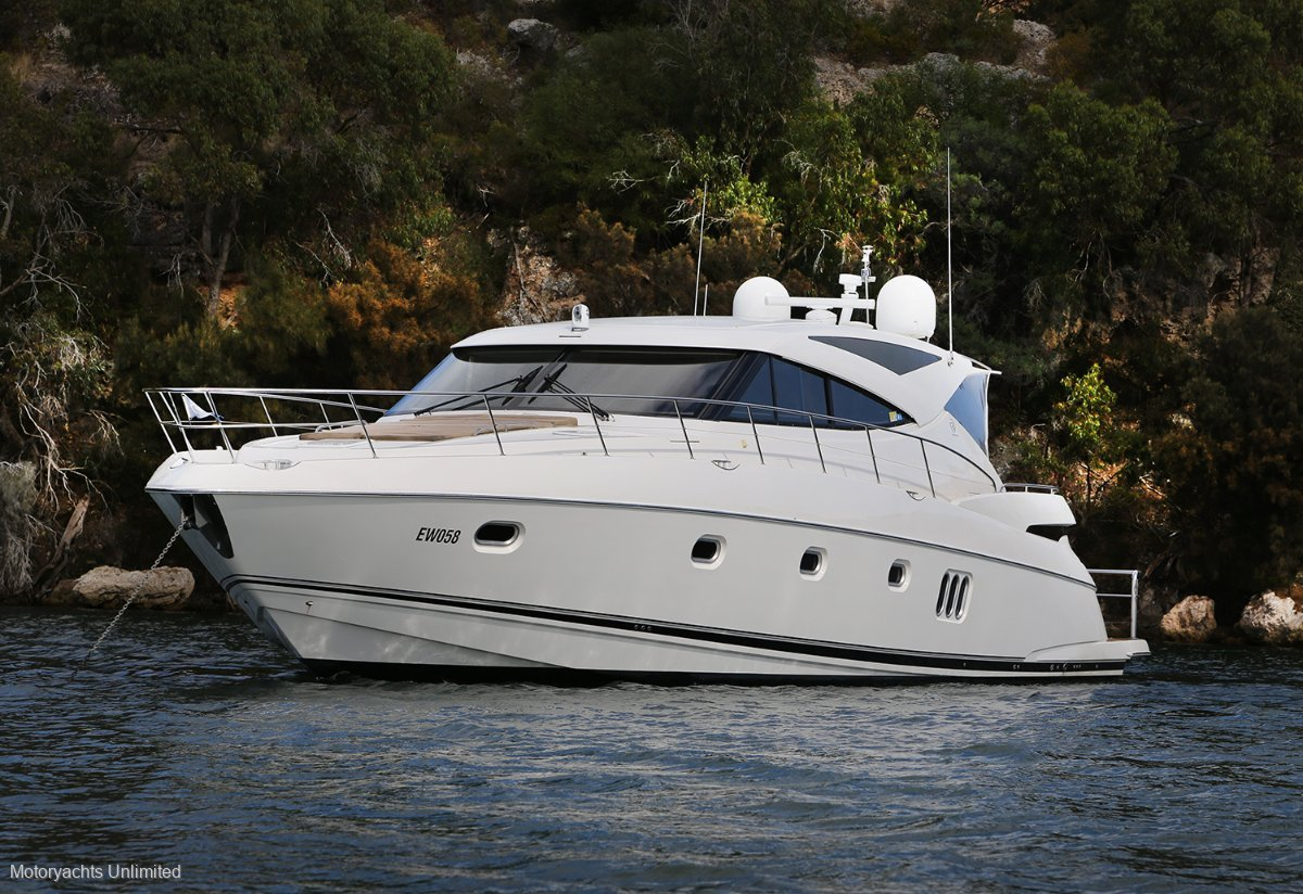 Riviera 5800 Sport Yacht Equisite vessel in immaculate condition:Riviera 5800 Intrepid