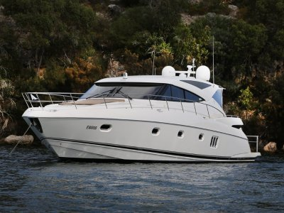 Riviera 5800 Sport Yacht Equisite vessel in immaculate condition