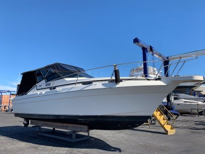 Mariner 30 Sports Cruiser New Clears & Cover, 12 month old Manfolds & Risers- Click for more info...