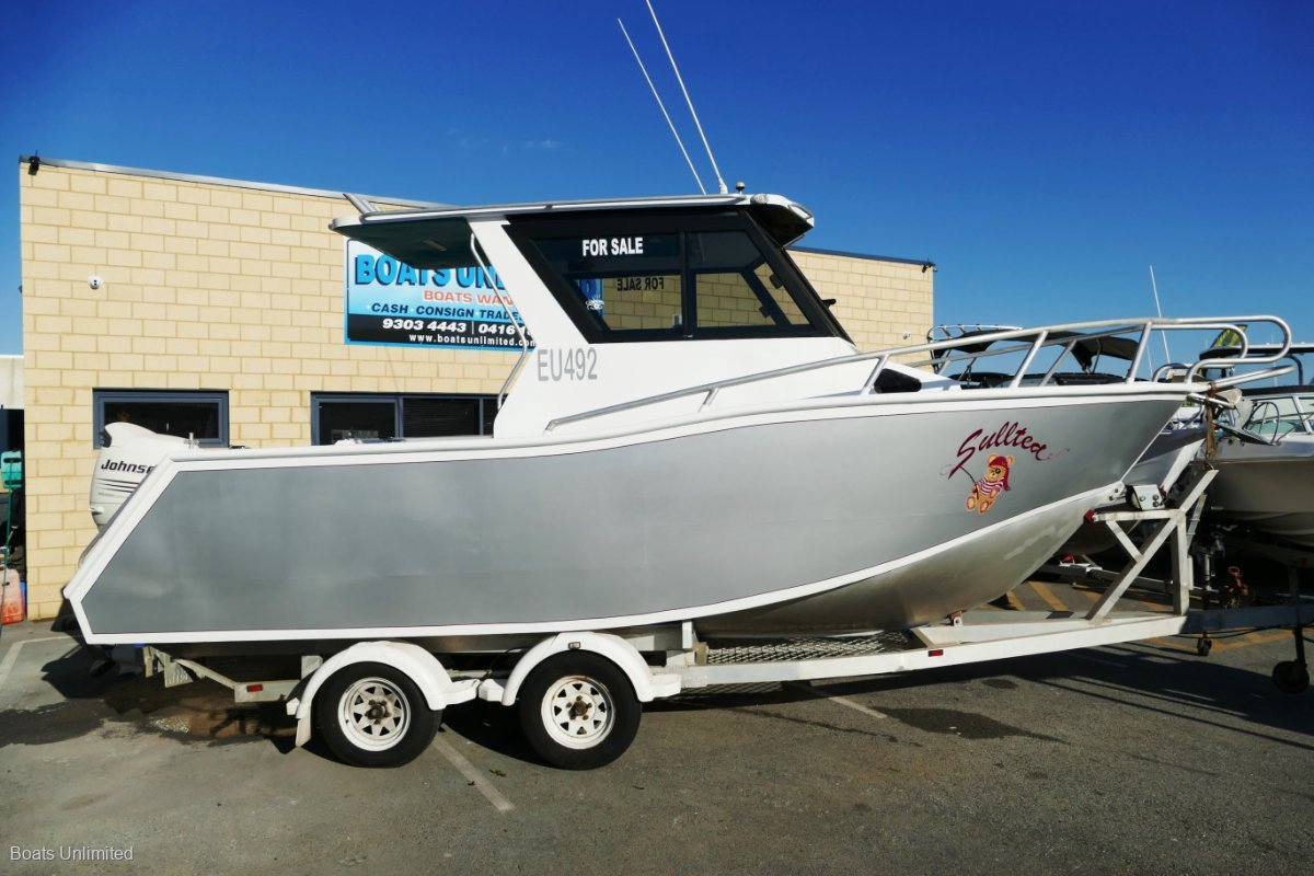 Denis Walsh Aluminium Centre Console LOFTSMAN DESIGN 6.4 FISHING DIVING SURFING:Quality boats wanted!  Let me sell yours here today! Cash, Consign or Trade 9303 4443.