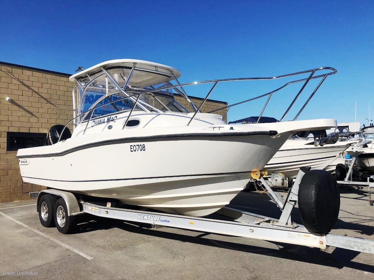 Boston Whaler 235 Conquest: Trailer Boats | Boats Online for
