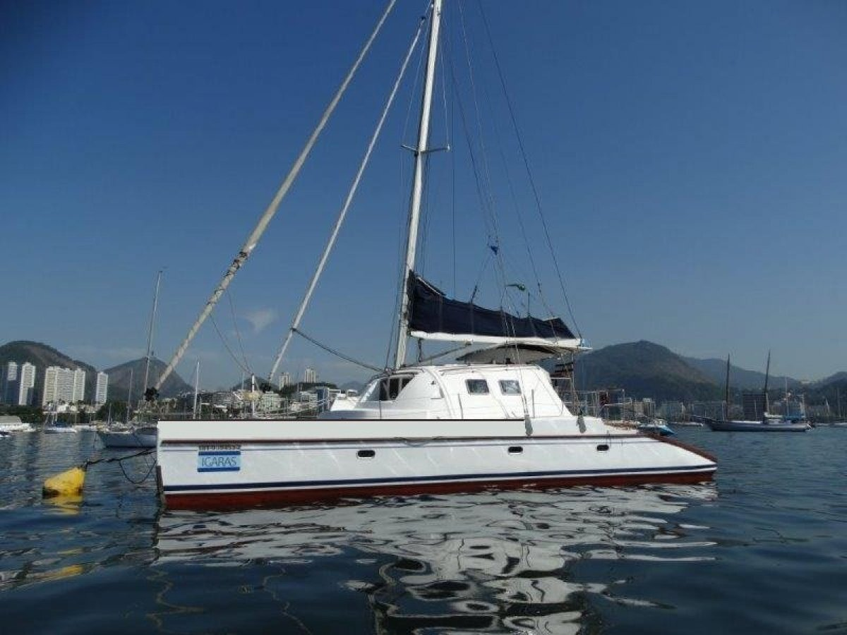 44ft Catamaran Cruiser:IGARAS Z44 cat moored