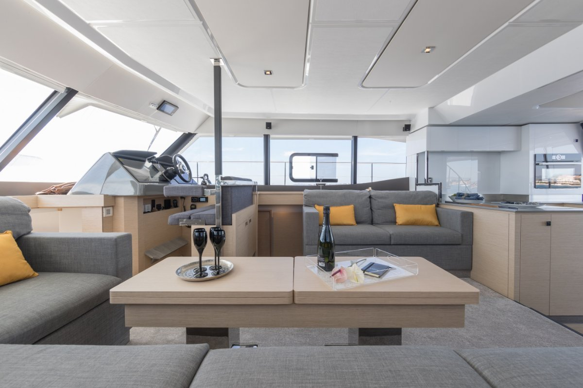 Fountaine Pajot MY6 New Model - Europe or local delivery