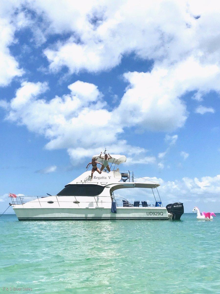 Cruisecat 35 Extended flybridge model