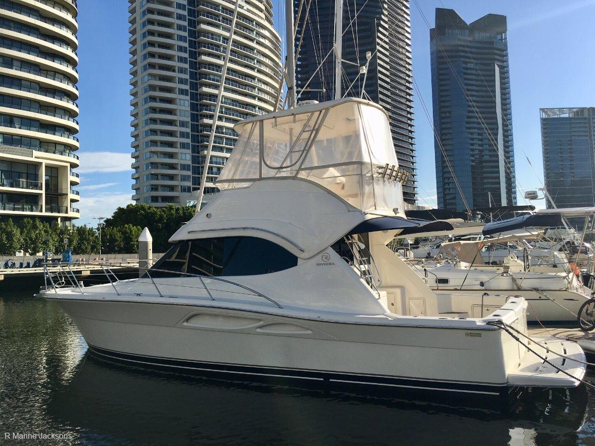 Riviera 37 Flybridge:Riviera 37 for sale - R Marine Jacksons