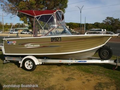 Quintrex 560 Freedom Cruiser 2008 model bowrider 209 hours